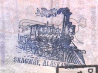 Sello Turístico en Skagway, Alaska, EEUU Sello Turístico en Ushuaia, Argentina (Cortesía: Gato Cósmico)
