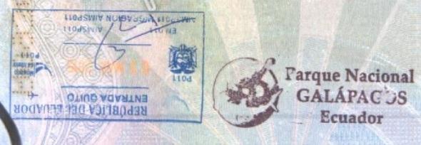 Sello de inmigración en el Aeropuerto Internacional de Quito y Sello Turístico en Galápagos (Cortesía: Gato Cósmico)