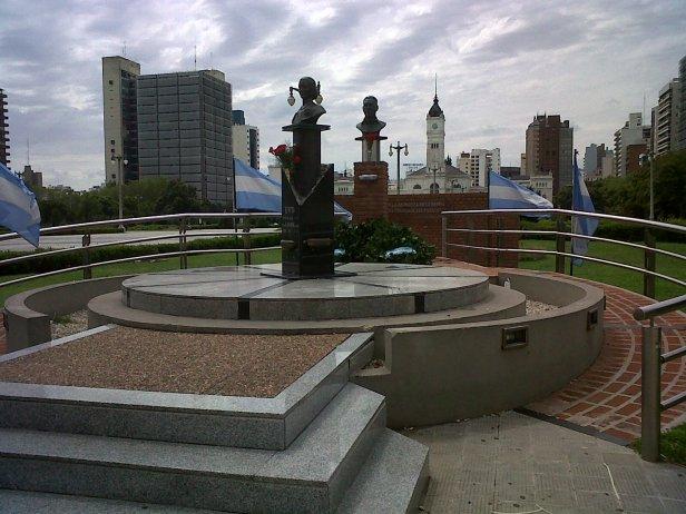 Los Peron, Plaza Moreno, La Plata