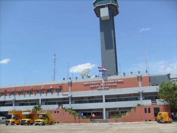 Aeropuerto Internacional Silvio Pettirossi - Asunción, Paraguay / Silvio Pettirossi International Airport - Asunción, Paraguay / Por: Fernando Olmos