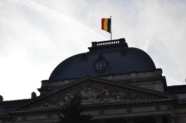 Palacio Real - Bruselas, Bélgica / Royal Palace - Brussels, Belgium / Por: Blog de Banderas