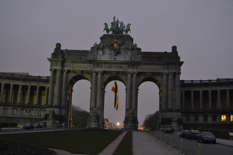 Monumento a la Independencia - Bruselas, Bélgica / Independence Monument - Brussels, Belgium / Por: Blog de Banderas