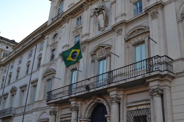 Embajada de Brasil - Roma, Italia / Brazilian Embassy - Rome, Italy / Por: Blog de Banderas