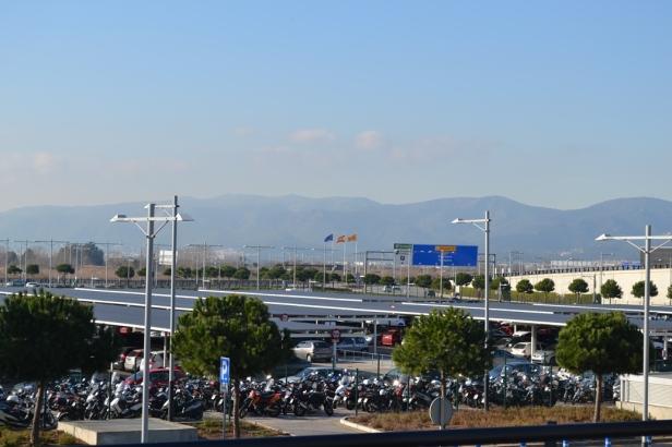 Aeropuerto - Barcelona, España / Airport - Barcelona, Spain / Por: Blog de Banderas