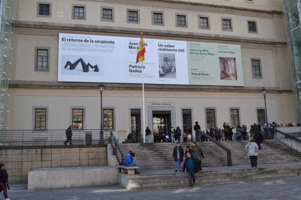 Museo Reina Sofía - Madrid, España / Queen Sophia Museum  - Madrid, Spain / Por: Blog de Banderas