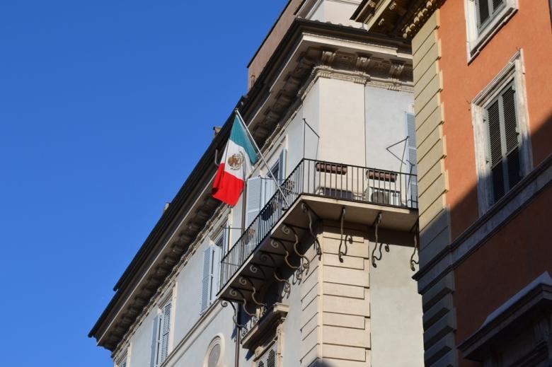 Embajada de México - Roma, Italia / Mexican Embassy - Rome, Italy / Por: Blog de Banderas