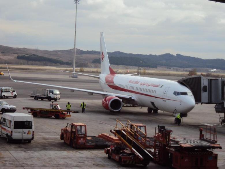 Avión de Air Algérie en el aeropuerto de Madrid - Barajas