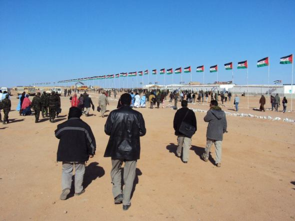 Delegados asistiendo al congreso del Frente Polisario