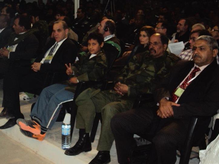 El Presidente de la RASD en el Congreso en Tifariti (el de uniforme camuflado)