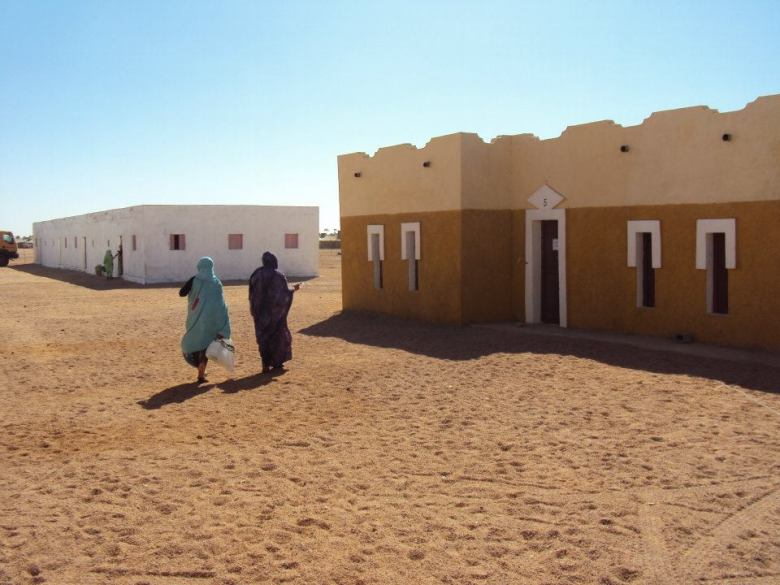 Casas en Tifariti (la mía era la blanca a la izquierda)