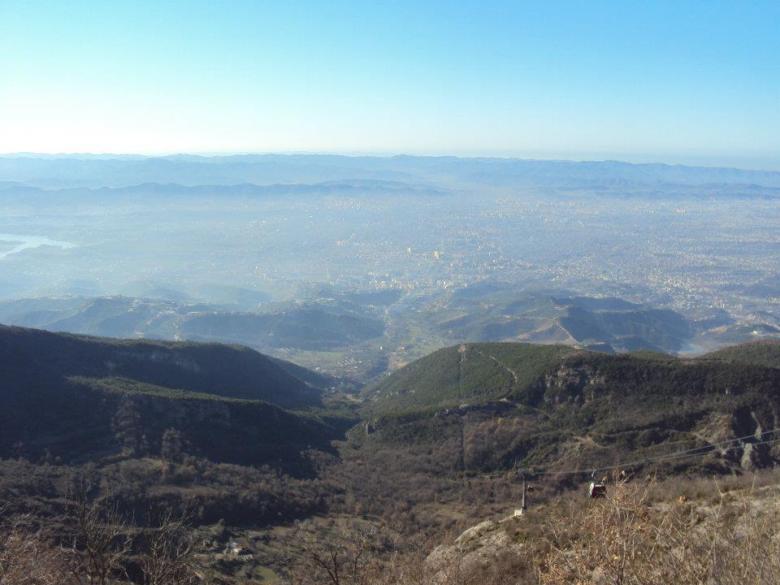 Panorámica de Tirana desde el Parque Nacional de la Montaña Dajti