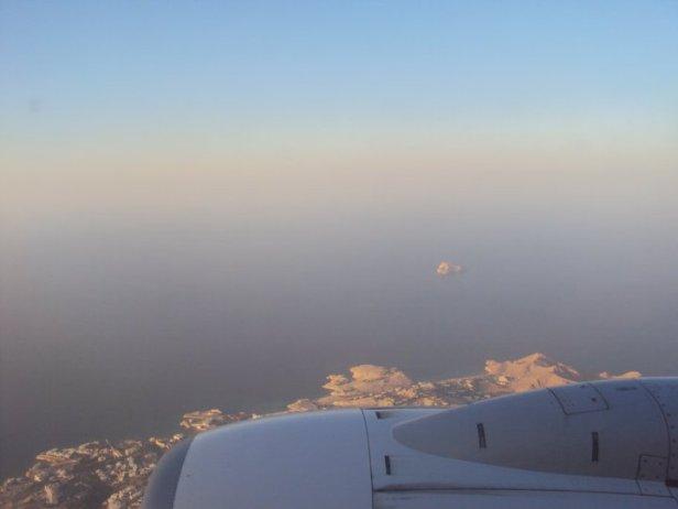 La costa desértica omaní minutos antes de aterrizar en Mascate