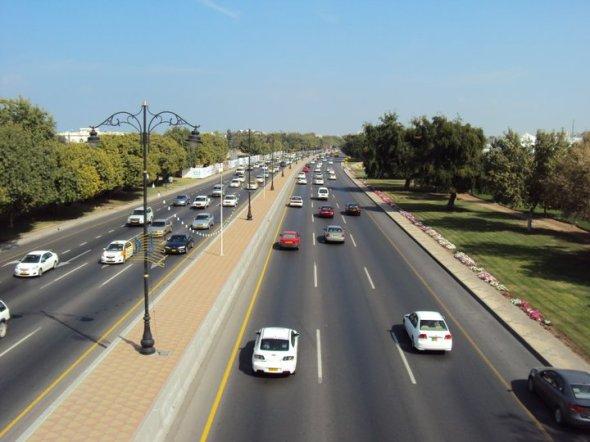 Autopista entre Mascate, la zona de Qu'rum y el Aeropuerto