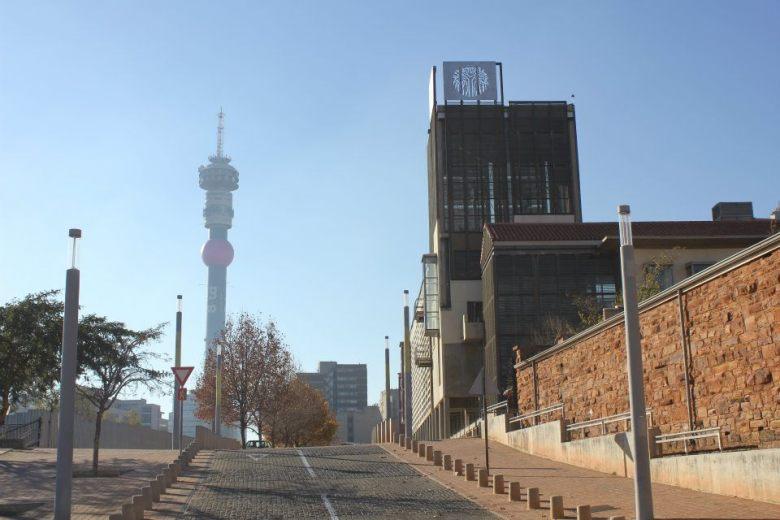 Zona de Hillbrow en el Centro de Johannesburgo - cerca de la Corte Constitucional de Sudáfrica