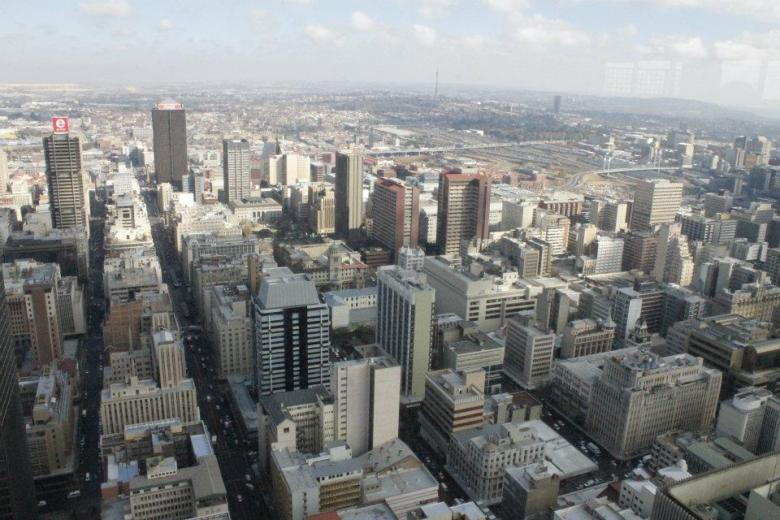 Panorámica del Centro de Johannesburgo - A la derecha se divisa el Puente Nelson Mandela