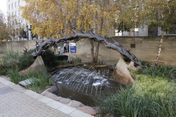 Monumento a los Springboks - símbolo nacional y además el nombre del equipo de rugby del país
