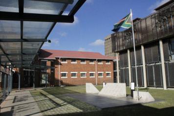 Antigua cárcel donde está ubicada hoy la Corte Constitucional de Sudáfrica