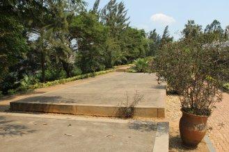 Zona donde se encuentran los restos de 250.000 de las víctimas en el Memorial del Genocidio de Kigali