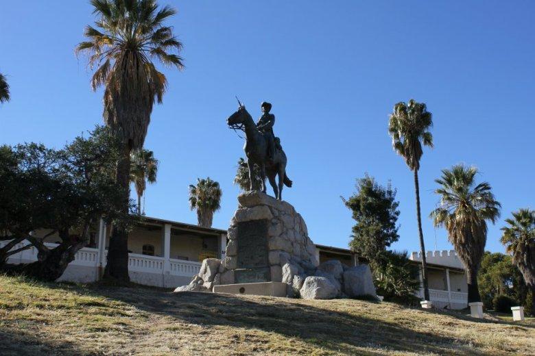 General von Trotha en las afueras del Museo Nacional de Namibia, justo el lugar donde se creó el primer campo de exterminio alemán en África del Sudoeste.