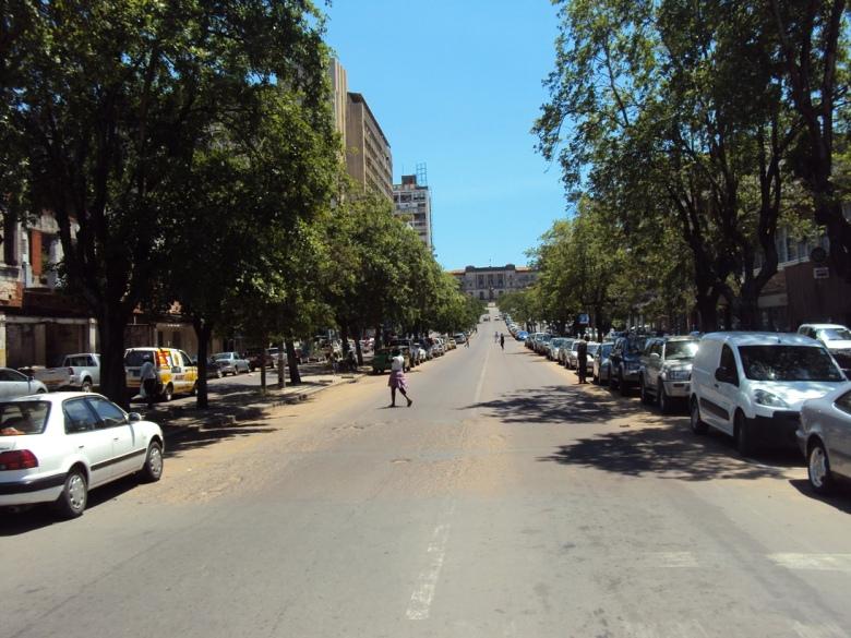 Avenida Samora Machel en el Centro de Maputo