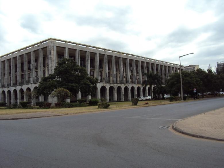 Edificios de la época socialista en el Centro de Maputo