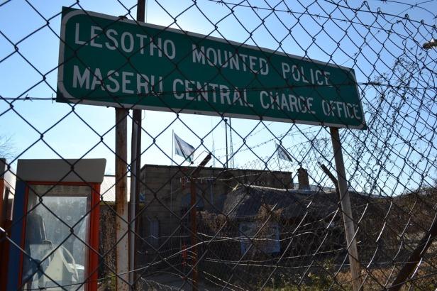 Y la mini-estación de policía