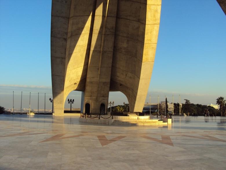 Monumento a la Independencia en Argel, Argelia