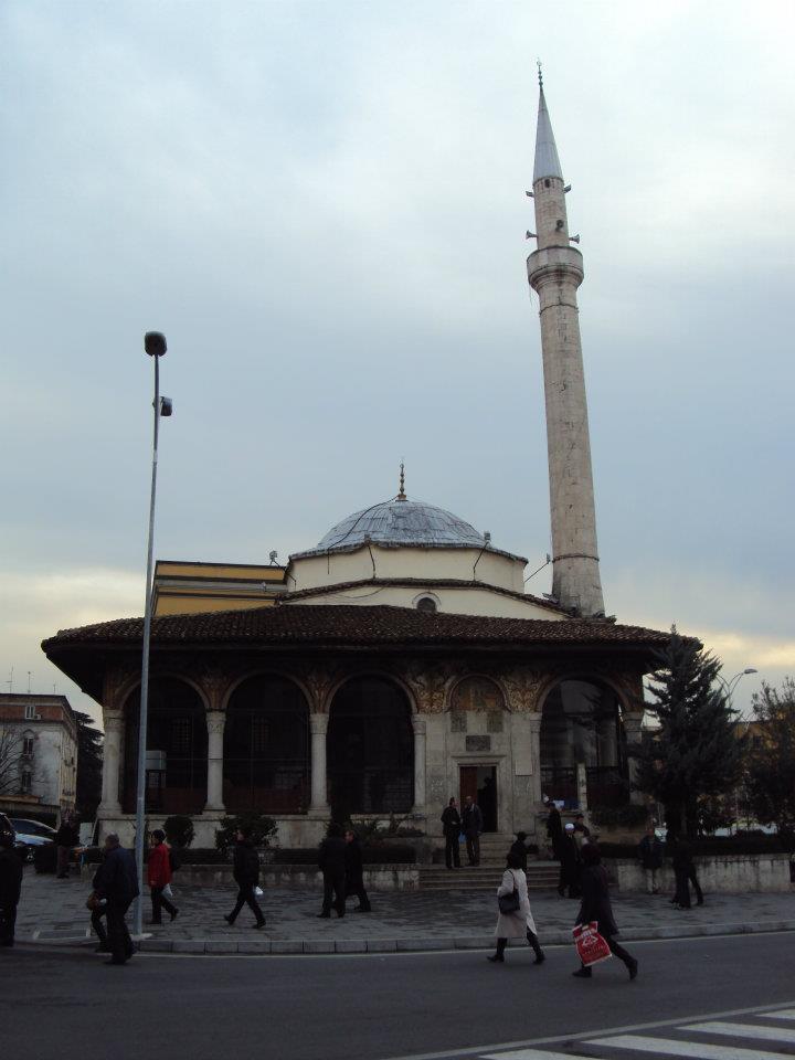 Mezquita de Et'hem Bey en el centro de Tirana