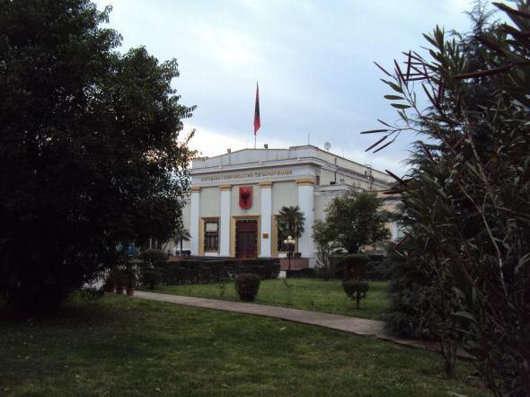 Parlamento de Albania en Tirana