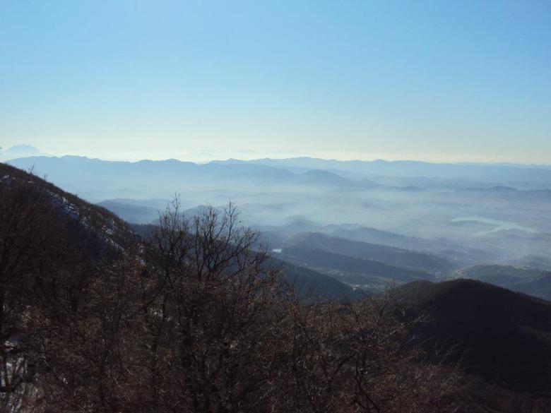Panorámica de Tirana desde el Parque Nacional de la Montaña Dajti.