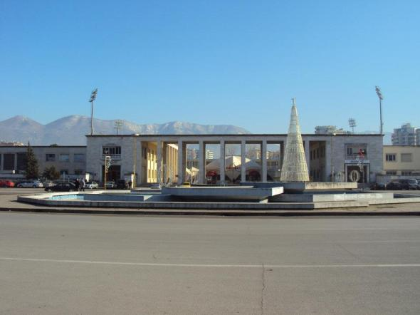 Museo Arqueológico de Tirana y Plaza Madre Teresa