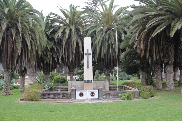 Monumento a las Guerras Mundiales en el Centro de Swakopmund
