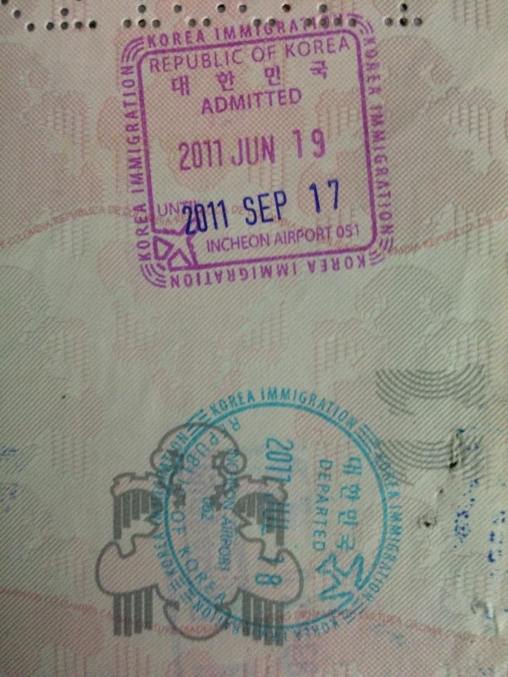 Sellos de ingreso y salida de Corea del Sur (Cortesía: Camilo Molina)