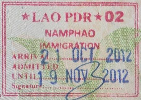 Inmigración: Puerto fronterizo de Namphao, Laos (Cortesía: Juan Carlos Herrera)