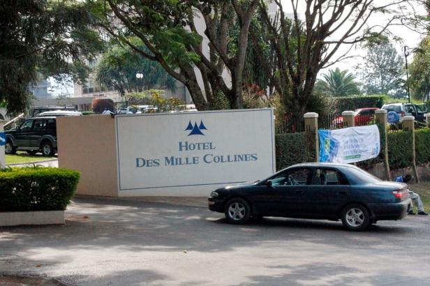 Entrada al Hôtel des Mille Collines en Kigali