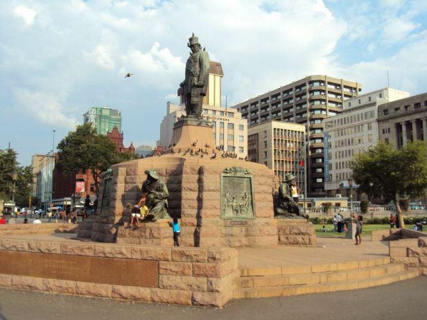 Estatua de Paul Kruger en el centro de Church Square en Pretoria