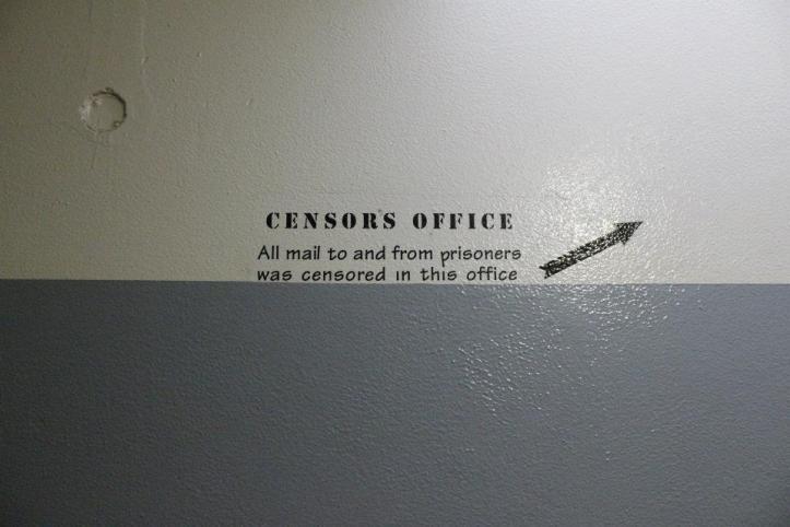 Oficina de censura en Robben Island...  Ahí revisaban las cartas que le llegaban a los reclusos