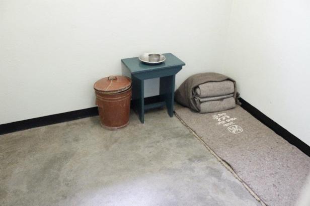 Interior de la celda de Nelson Mandela en Robben Island