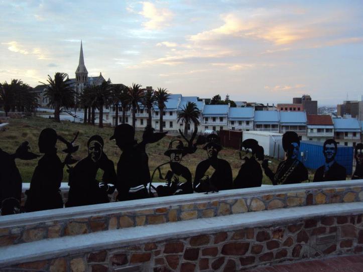 Monumento a Mandela en la Reserva Donkin en Port Elizabeth, Sudáfrica