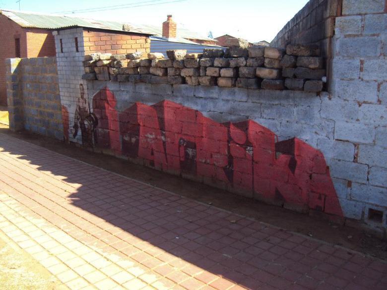 Cerca a la Casa de Mandela en Soweto