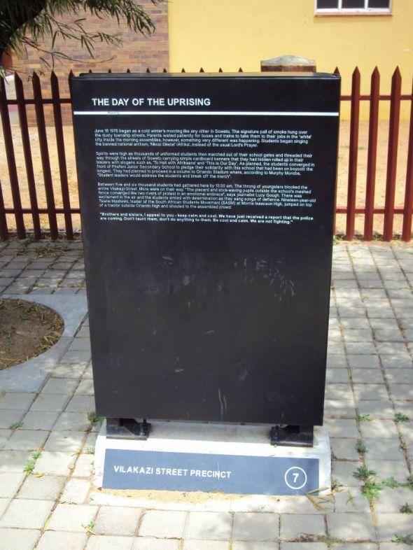 Placa conmemorativa a la Masacre de Soweto
