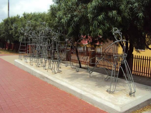 Escultura conmemorativa a la Masacre de Soweto