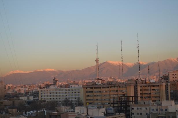Amanecer sobre Teherán