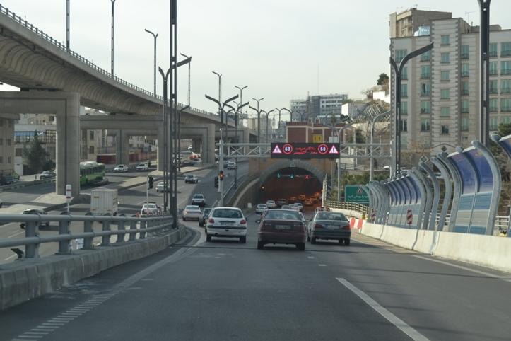 Autopista hacia la Tumba del Ayatola Khomeini