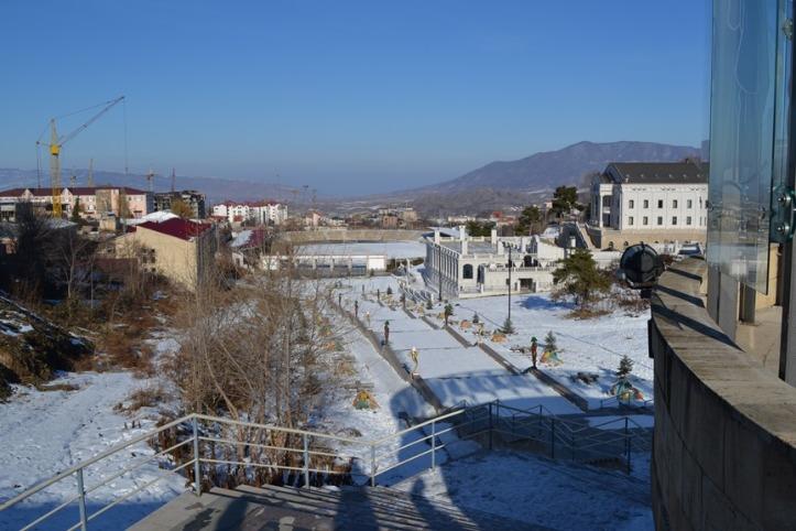 Stepanakert vista desde la Plaza del Renacimiento con el Estadio al fondo