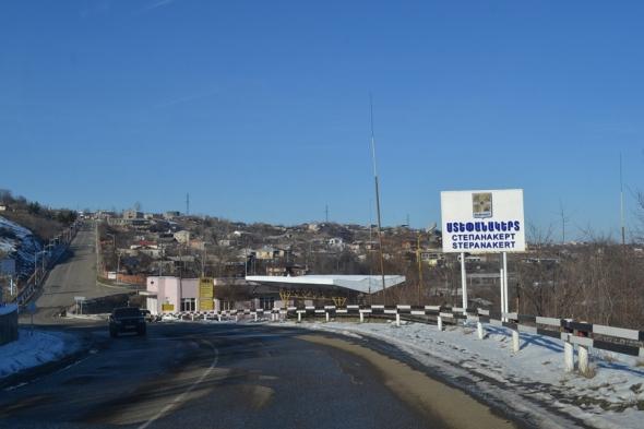 Entrada a Stepanakert, capital de Nagorno-Karabakh