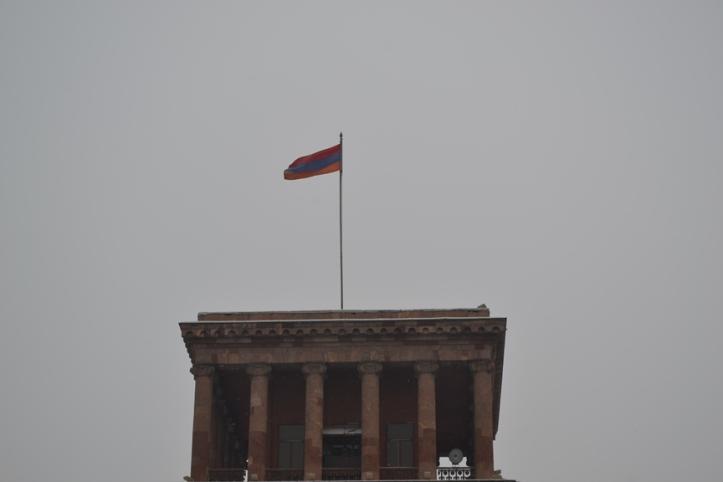 Parlamento en la Plaza de la República en Yereván, Armenia
