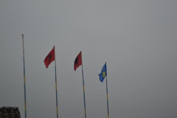 Banderas de Albania y Kosovo
