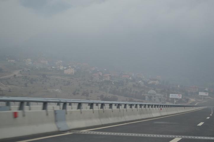 Autopista entre Prístina, Kosovo y Tirana, Albania