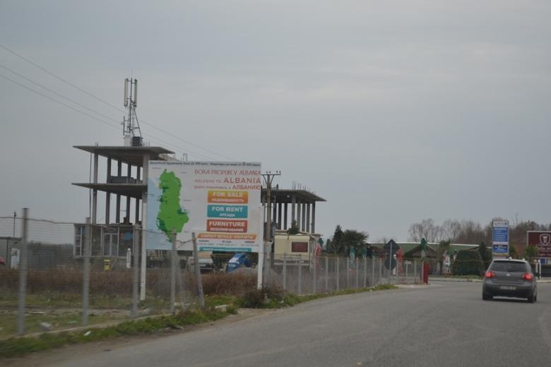 Saliendo de Albania hacia Montenegro